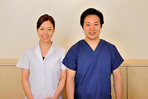 鈴木一成院長と奈緒子副院長
